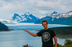 Der ca. 4 km breite Perito Moreno Gletscher ist einer der wenigen, die noch wachsen